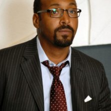 Jesse L. Martin è Philip Maidstone nella serie TV The Philanthropist