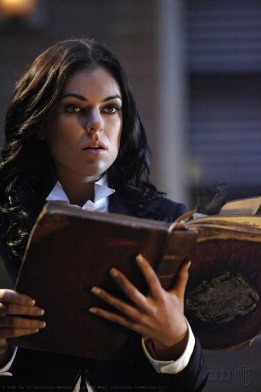 Serinda Swan In Una Scena Dell Episodio 17 Dell Ottava Stagione Di Smallville 119252