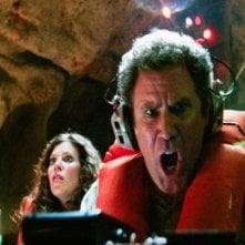 Anna Friel e Will Ferrell in un'immagine del film Land of the Lost