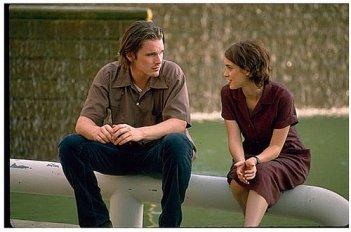 Ethan Hawke e Winona Ryder in una scena del film Giovani, carini e disoccupati