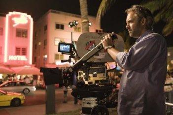 Il regista Sam Mendes sul set del film Away We Go