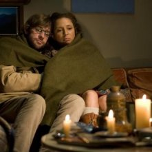 John Krasinski e Maya Rudolph in una scena del film Away We Go