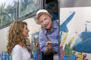 Nia Vardalos e Richard Dreyfuss in una scena del film My Life in Ruins