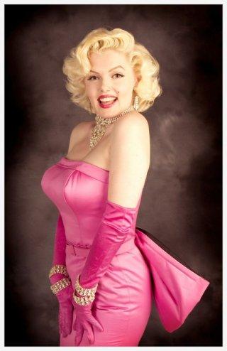 Suzie Kennedy è la sosia di Marylin Monroe scelta da Pieraccioni per il film Io e Marylin