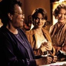Winona Ryder con Anne Bancroft e Alfre Woodard in una scena del film Gli anni dei ricordi