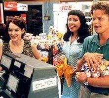 Winona Ryder con Janeane Garofalo, Ethan Hawke e Steve Zahn in Giovani, carini e disoccupati