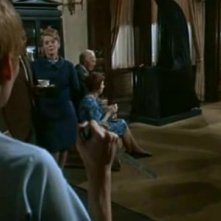 Mia Farrow assieme a Ruth Gordon in una scena del film Rosemary's baby - Nastro rosso a New York