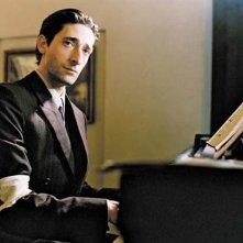 Adrien Brody è Wladyslaw Szpilman nel film Il pianista di Roman Polanski