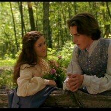 Christian Bale con Winona Ryder in una sequenza del film Piccole donne
