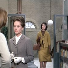Tippi Hedren e Diane Baker in una scena del film Marnie