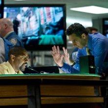 Denzel Washington e John Turturro in una scena del film The Taking of Pelham One Two Three