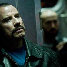 John Travolta in un'immagine del film Pelham 1-2-3: Un ostaggio al minuto