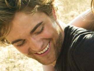 Un bellissimo wallpaper di Robert Pattinson