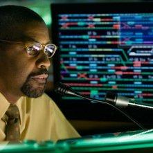 Un primo piano di Denzel Washington, tra i protagonisti del film The Taking of Pelham One Two Three
