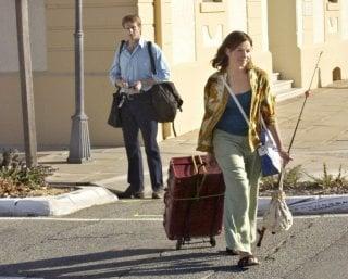 William McInnes e Justine Clarke in una scena del film Look Both Ways - Amori e Disastri