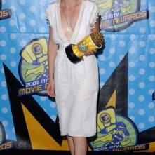 Kirsten Dunst è la vincitrice del premio come 'Miglior Performance Femminile' agli MTV Movie Awards 2003