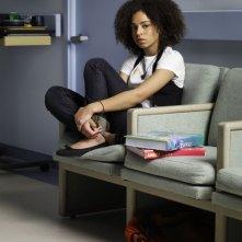 Hannah Hodson è Camille in una foto promozionale della serie TV Hawthorne
