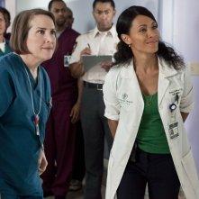 Jillian Armenante e Jada Pinkett Smith nell'episodio Healing Time di Hawthorne