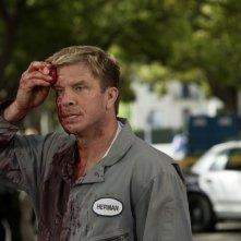 Kenny Johnson in una scena dell'episodio We're Already Here di Saving Grace