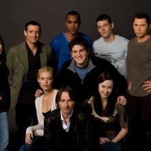 Una foto promozionale del cast di Stargate Universe