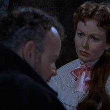 Hazel Court in una scena del film La maschera di Frankenstein