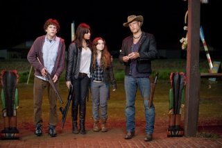 Il cast di Zombieland al completo, Jesse Eisenberg, Woody Harrelson, Emma Stone e Abigail Breslin