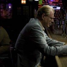 Ed Begley Jr. interpreta John nel film Whatever Works, diretto da Woody Allen