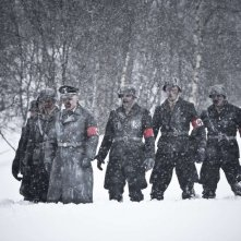 Orjan Gamst in una scena del film horror Dead Snow