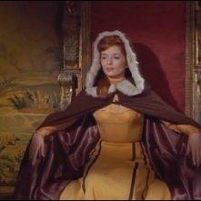 Barbara Shelley in una scena del film Lo sguardo che uccide