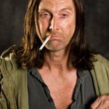 David Threlfall in una foto promozionale di Shameless.