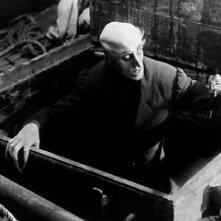 Max Schreck è il conte Orlok nel film Nosferatu