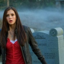 Nina Dobrev in una scena di The Vampire Diaries