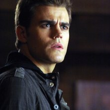 Paul Wesley in una scena del Pilot di The Vampire Diaries