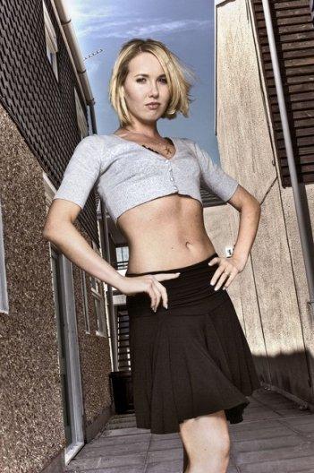 Rebecca Atkinson in una foto promozionale di Shameless.