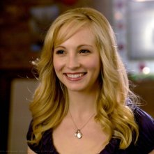 Candice Accola in una scena del Pilot di The Vampire Diaries