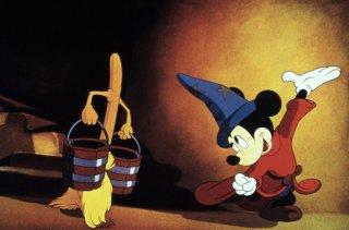 Topolino in una celebre scena del film Fantasia