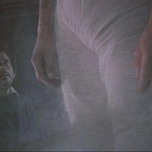 Oscar Quitak in una scena del film La vendetta di Frankenstein