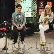 Miley Cyrus e la guest star David Archuleta nell'episodio Promma Mia di Hannah Montana