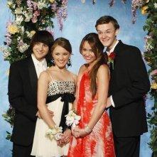 Miley Cyrus, Emily Osment, Mitchel Musso e Nate Hartley in una scena dell'episodio Promma Mia di Hannah Montana