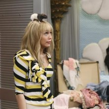 Miley Cyrus in una scena dell'episodio Super(stitious) Girl di Hannah Montana