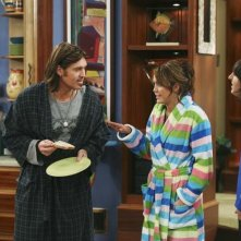Mitchel Musso, Billy Ray Cyrus e Miley Cyrus in una scena dell'episodio Miley Hurt the Feelings of the Radio Star di Hannah Montana
