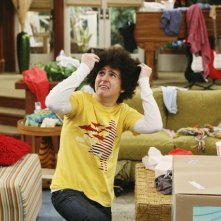 Mitchel Musso in una scena dell'episodio Super(stitious) Girl di Hannah Montana