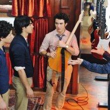 Nate Hartley con i Jonas Brothers nell'episodio Band's Best Friend della serie Jonas