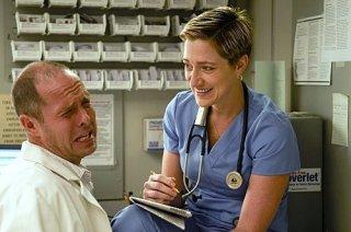 Peter Schulze ed Edie Falco nell'episodio Sweet-N-All di Nurse Jackie