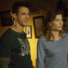 Andrew St. John e Stephanie Niznik in una scena dell'episodio Ubuntu di Life is Wild