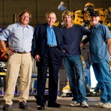 Una foto di Michael Bay con alcuni dei produttori di 'Transformers: Revenge of the Fallen': Lorenzo di Bonaventura, Ian Bryce
