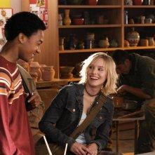 Percy Daggs III e Kristen Bell in una scena dell'episodio 'Benvenuti a Neptune ' di 'Veronica Mars'