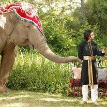 Damien Bodie ed Emelia Burns nella serie The Elephant Princess