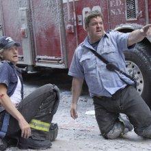 Denis Leary e John Scurti in una scena dell'episodio Sheila di Rescue Me