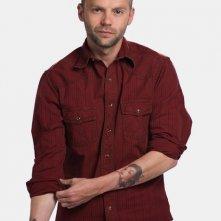 Esteban Powell in una foto promozionale di The Cleaner